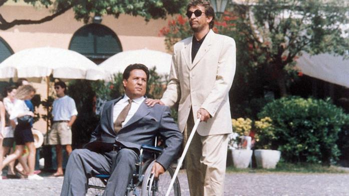 Renato Pozzetto ed Ezio Greggio in una scena di Infelici e contenti
