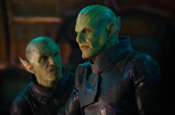 Due Skrull in una scena di Captain Marvel