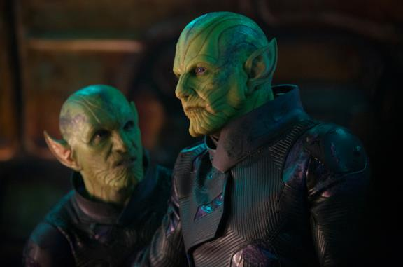 Due Skrull in una scena di Captain Marvel