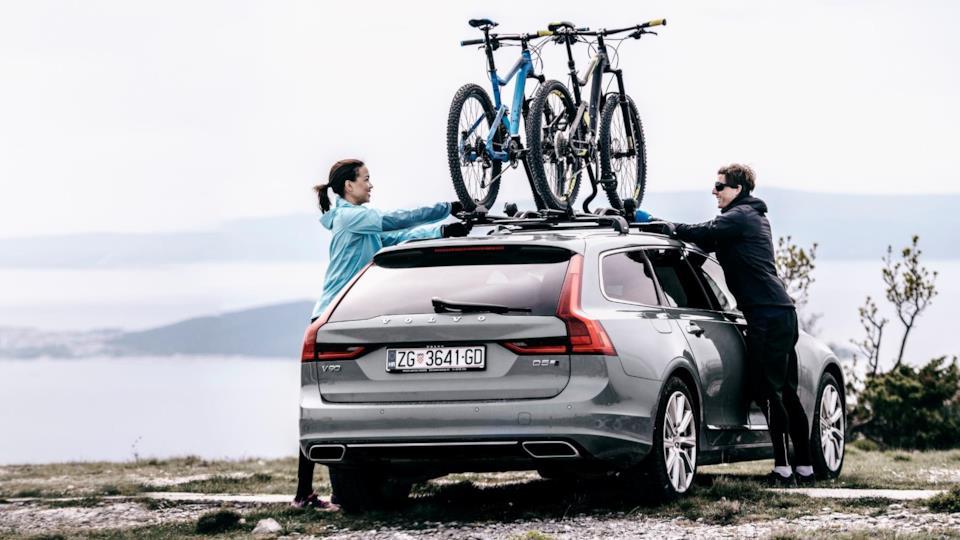Portabici Thuleper il tetto dell'automobile