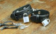 Lockable Leather Handcuffs
