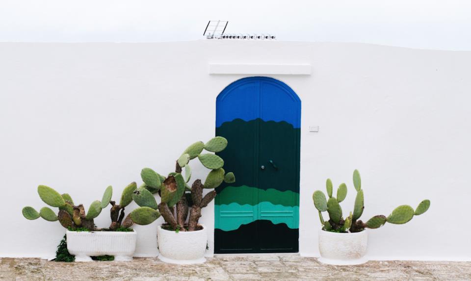 Porta di una casa ad Ostuni in Salento, Puglia