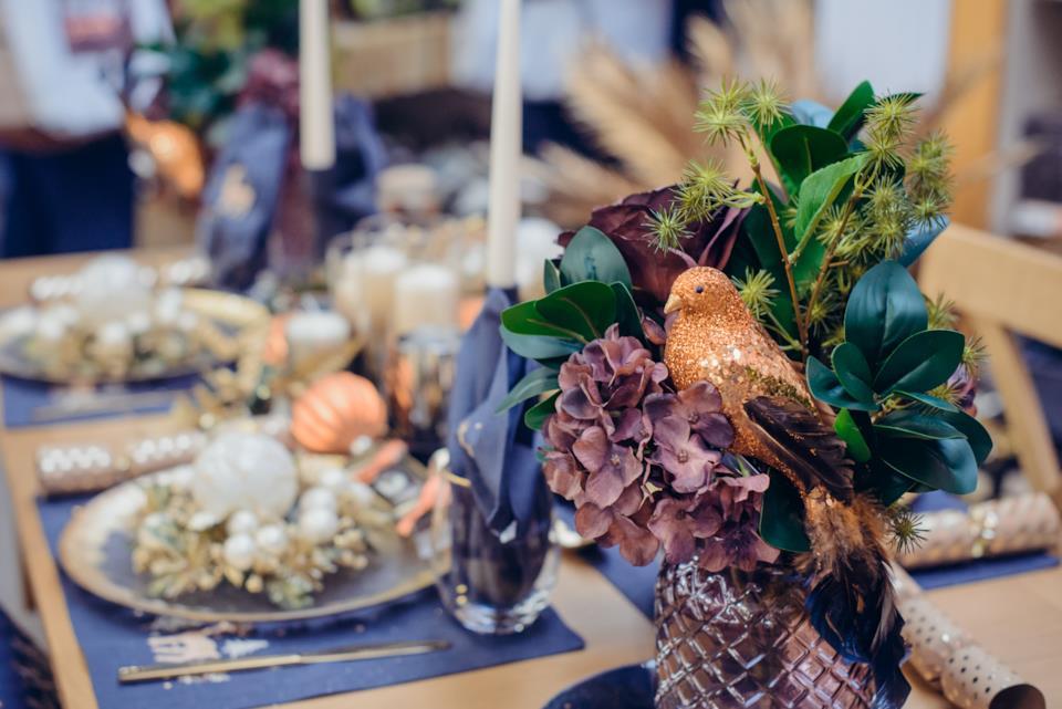 Bouquet di fiori secchi per la tavola di Natale
