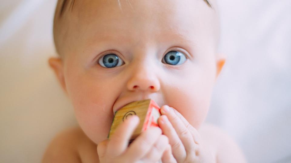 Quando il bambino è pronto per lo svezzamento?