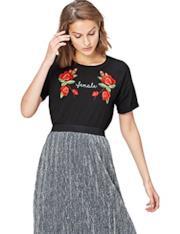 T-Shirt nera con rose ricamate