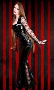 Stunning Gothic Vampire Morticia