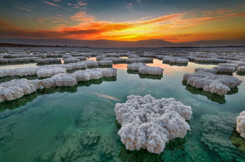 Tramonto sul Mar Morto in Giordania