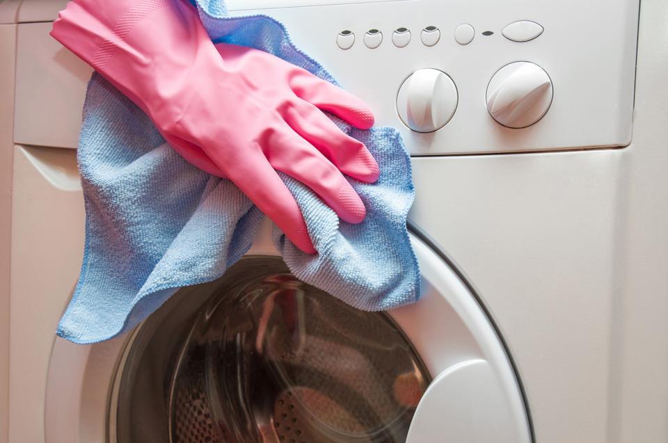 Indicazioni per pulire la lavatrice