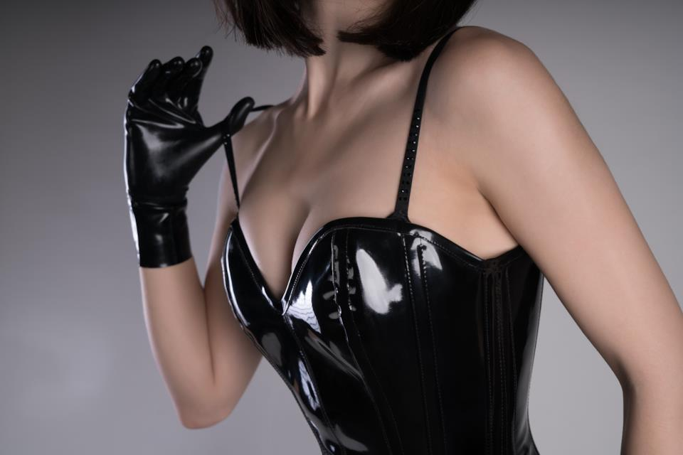 Abiti, minidress e due pezzi in latex, ecopelle o vinile per donna in stile fetish
