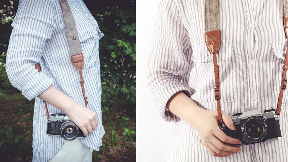 Gadget fotografici: regalare una tracolla effetto vintage