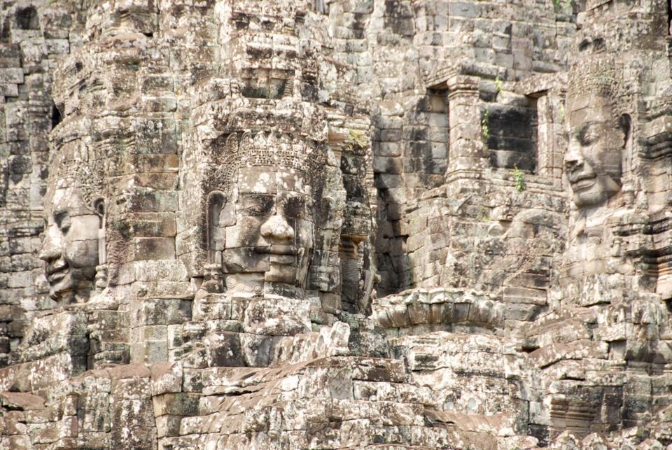 Statue religiose di Angkor in Cambogia