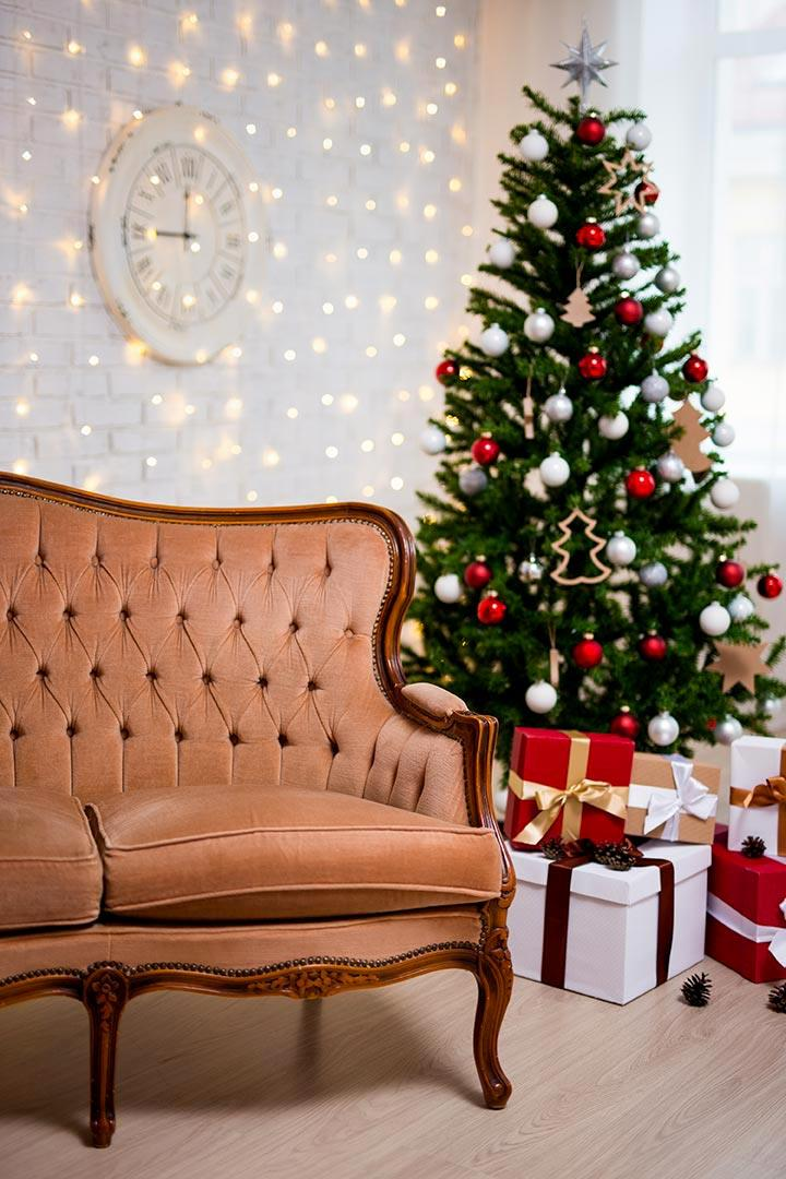 Un albero di Natale slim in salotto