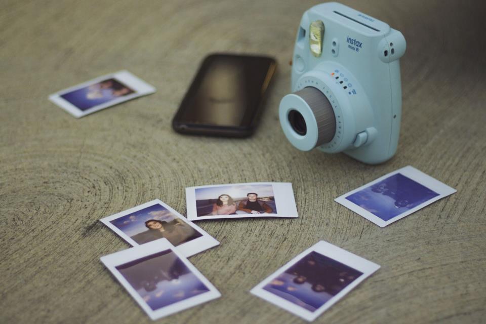 Idea regalo ragazza 20 anni: Fujifilm Instax per Natale