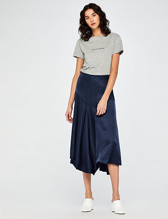 Maglietta grigia da donna con scritta su Amazon