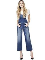 Salopette con jeans e bretelle