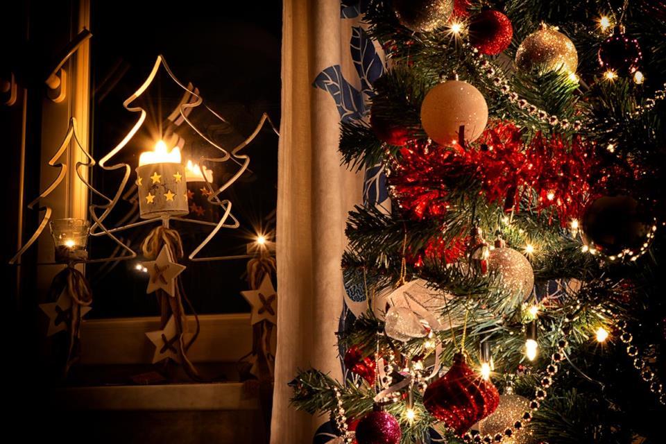 Albero di Natale in metallo porta candela