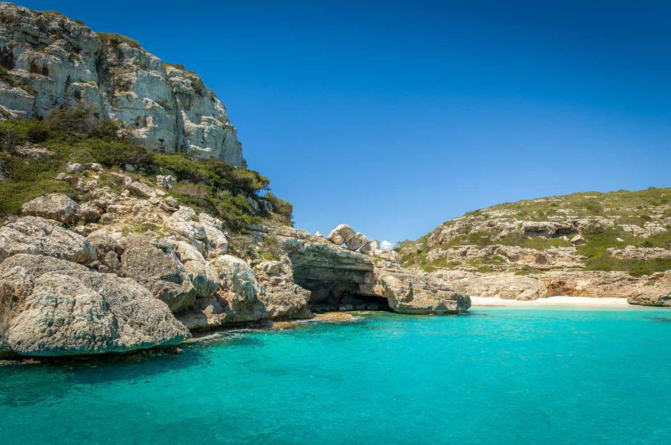 Veduta di Cala Marmolis a Ibiza