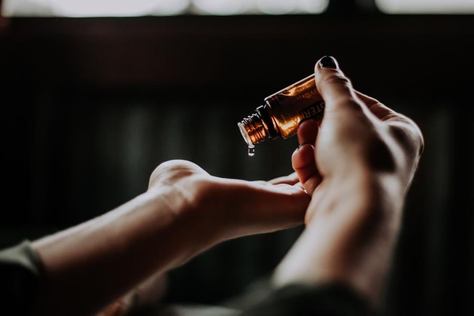 Migliori rimedi naturali contro le zanzare: oli essenziali