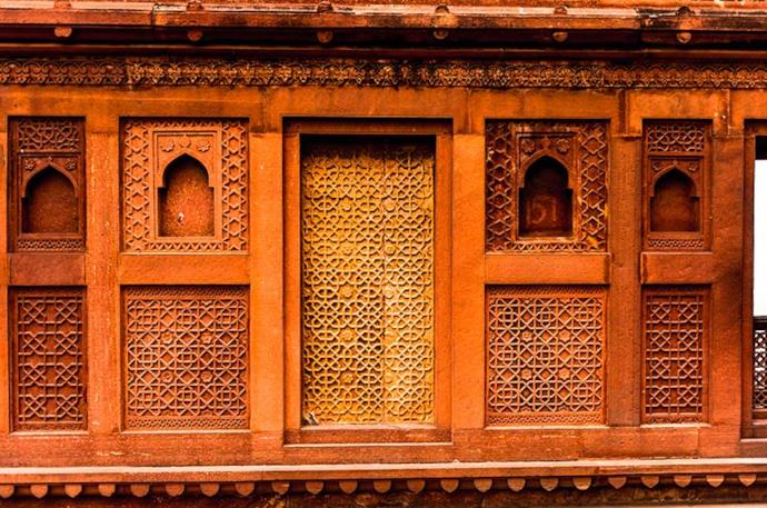 Details of Fort of Agra, India