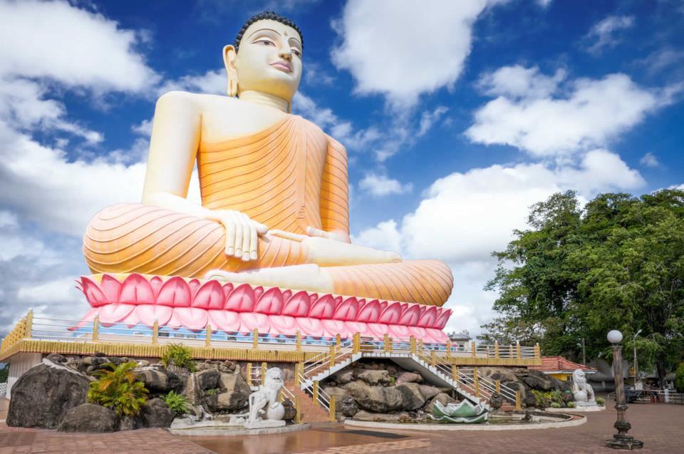 Vihara Temple's Buddha statue