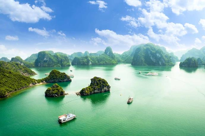 Scenery of Halong Bay, Vietnam