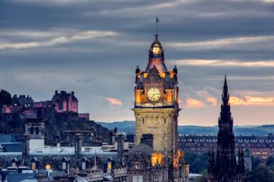 Edimburgo: la città della Scozia per un weekend romantico