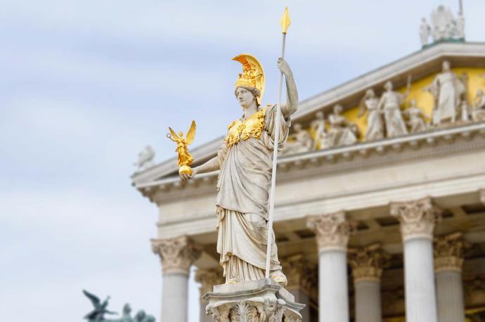 Statua di fronte al Parlamento a Vienna, Austria