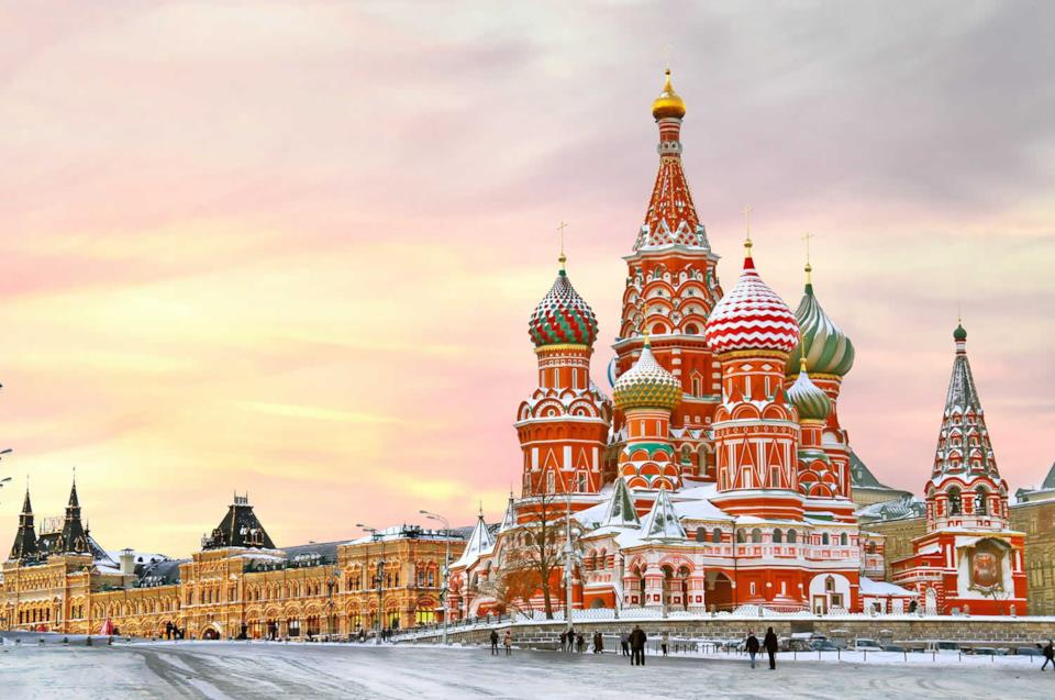 Piazza Rossa sotto la neve a Mosca