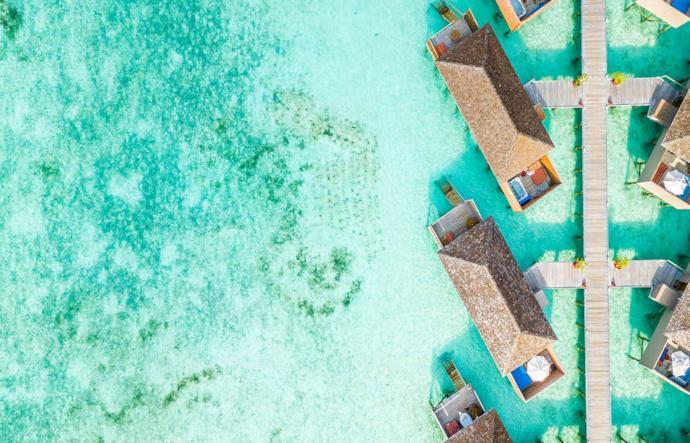Resort di lusso delle Maldive visto dall'alto