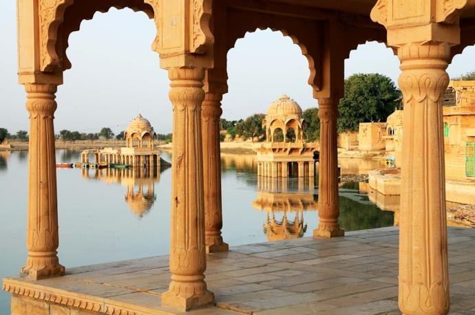 Lago Gadisagar a Jaisalmer, nella regione del Rajasthan
