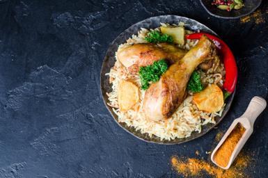 Spezie e piatti della cucina iraniana