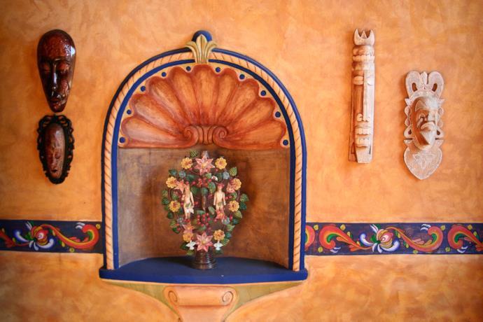 Muro con decorazioni tradizionali in Messico