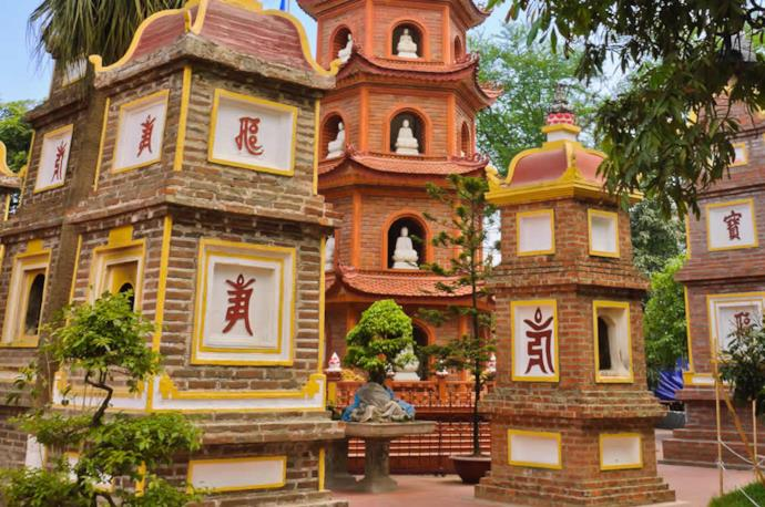 Pagoda di Tran Quoc ad Hanoi, Vietnam