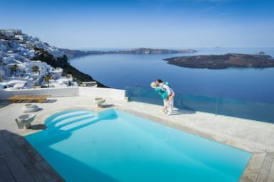 Santorini: 5 cose che non sapevi sull'isola più glamour della Grecia