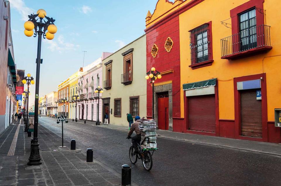 Una strada di Puebla in Messico