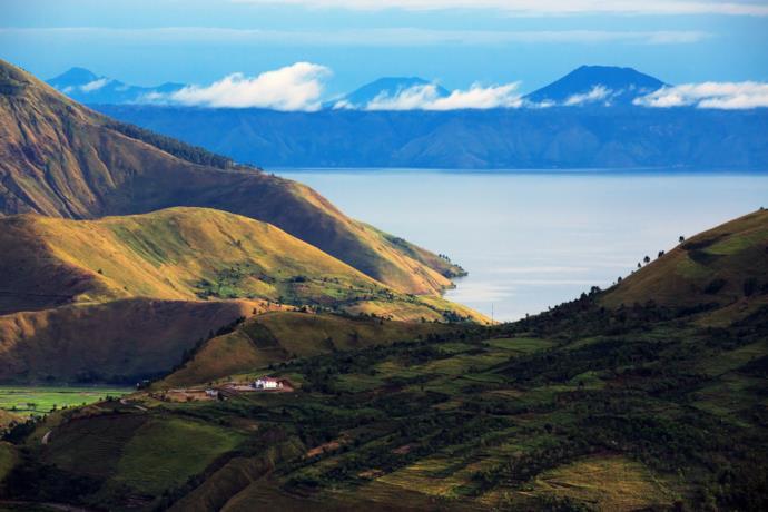 Panorama del lago Toba in Indonesia