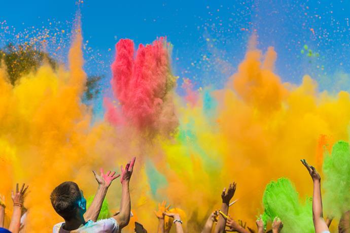 colori al festival di holi