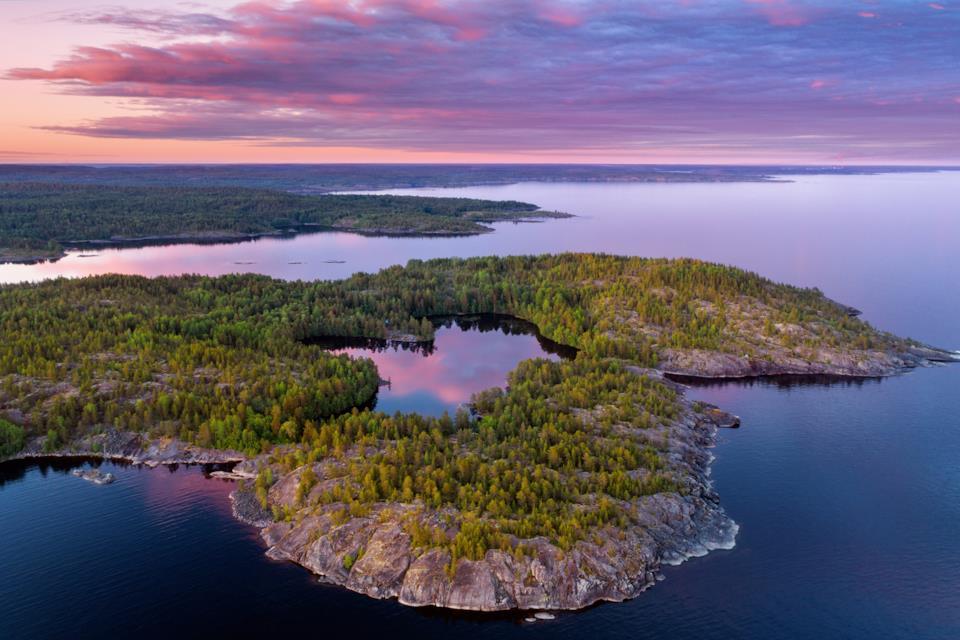 Panorama del Lago Ladoga nella Carelia russa