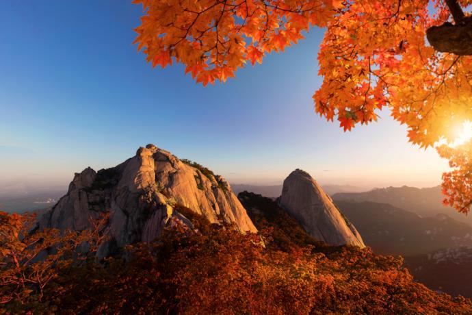 Colori autunnali nel Bukhansan National Park di Seul
