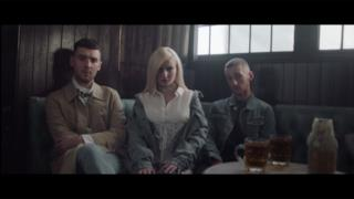 Clean Bandit - Rockabye (feat. Sean Paul & Anne-Marie) (Video ufficiale e testo)