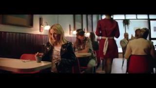 Major Lazer - Powerful (feat. Ellie Goulding & Tarrus Riley) (Video ufficiale e testo)