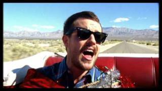 The Killers - Don't Shoot Me Santa (Video ufficiale e testo)