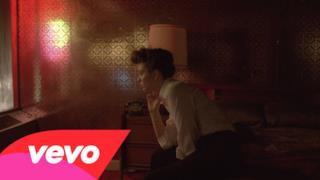 Lorde - Yellow Flicker Beat (video ufficiale, testo e traduzione)