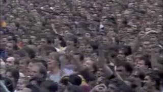 Michael Jackson e Freddie Mercury - There Must Be More To Life Than This (Audio, Testo e Traduzione)