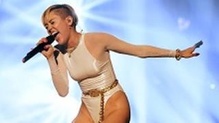 Miley Cyrus: camel toe agli MTV EMA 2013