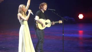 "Taylor Swift - Ed Sheeran ""I See Fire"" live"