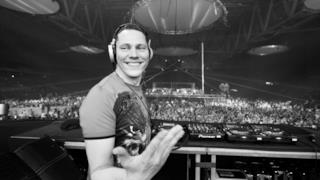 ClubLife by Tiësto Podcast 453
