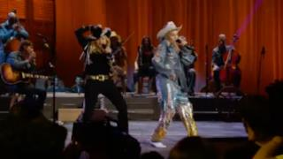 Miley Cyrus feat. Madonna - Don't tell me/We can't stop medley