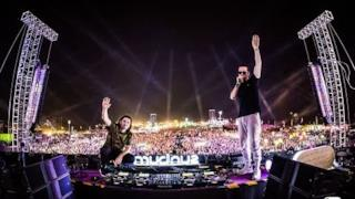Dimitri Vegas & Like Mike @ Sunburn Festival 2017
