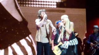 Rolling Stones & Gwen Stefani - Wild Horses live (tour 2013)